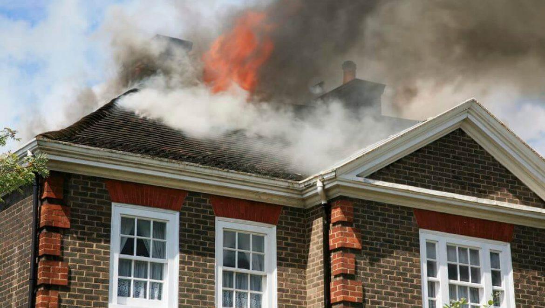 חברת ביטוח תובעת שוכר בטענה שרשלנות מצדו גרמה לשריפת דירה